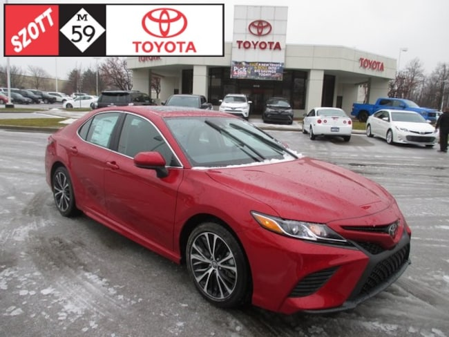 New 2019 Toyota Camry SE Sedan in Waterford