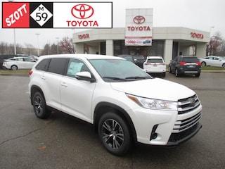 New 2019 Toyota Highlander LE SUV for sale near Detroit