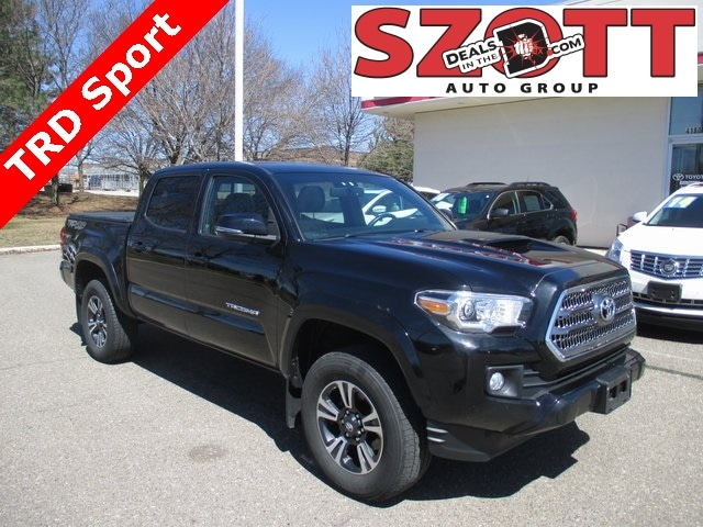 Used 2016 Toyota Tacoma TRD Sport Truck Double Cab for sale near Detroit