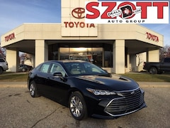 New 2021 Toyota Avalon XLE Sedan for sale in Waterford, MI