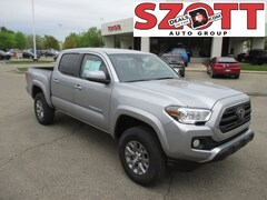 New 2019 Toyota Tacoma SR5 Truck Double Cab Truck in Waterford, MI