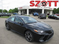 New 2019 Toyota Camry SE Sedan for sale in Waterford, MI