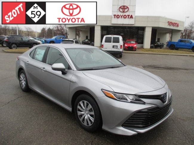 New 2019 Toyota Camry Hybrid LE Sedan in Waterford