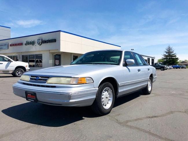 1997 Ford Crown Victoria LX Sedan