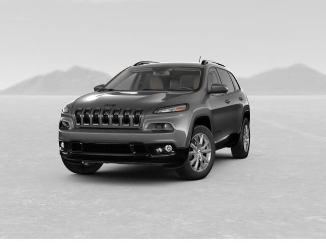 2018 Jeep Cherokee LATITUDE WITH TECH CONNECT PACKAGE 4X4 Sport Utility