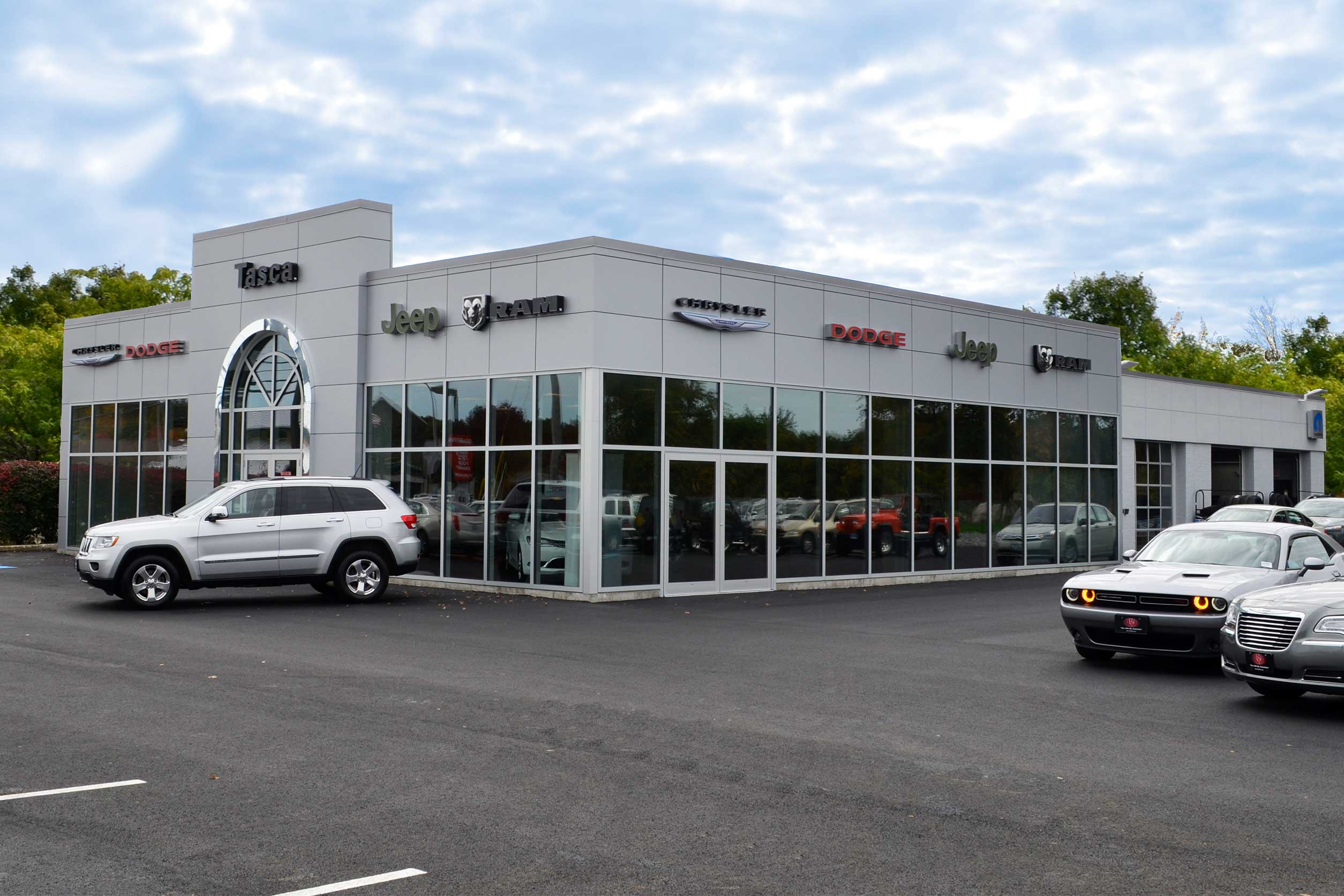 New Chrysler, Dodge, Jeep, RAM and Used Car Dealer Serving Westerly