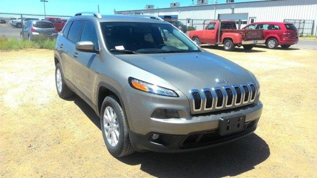 New 2018 Jeep Cherokee LATITUDE 4X4 Sport Utility for Sale in Winslow AZ