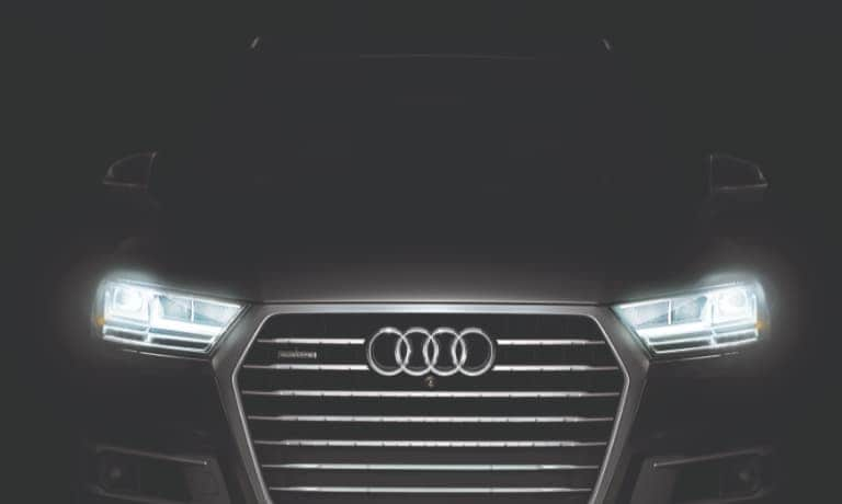 209 Audi Q7 Front Grill and Lights