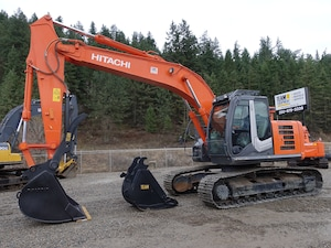 2013 HITACHI ZX225US-3