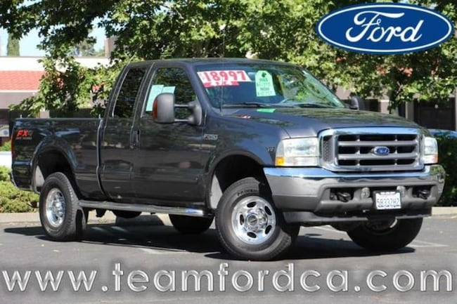 2003 Ford F-250 Lariat Extended Cab Truck