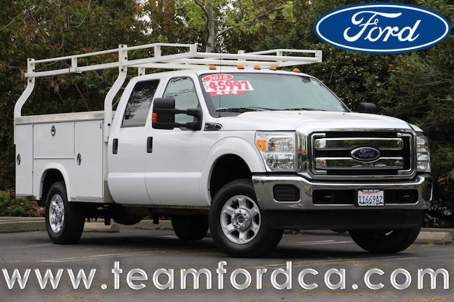 2016 Ford F-350 Chassis Cab XLT Chassis Truck