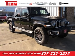 New 2020 Jeep Gladiator OVERLAND 4X4 Crew Cab LL176714 in Huntsville, TX
