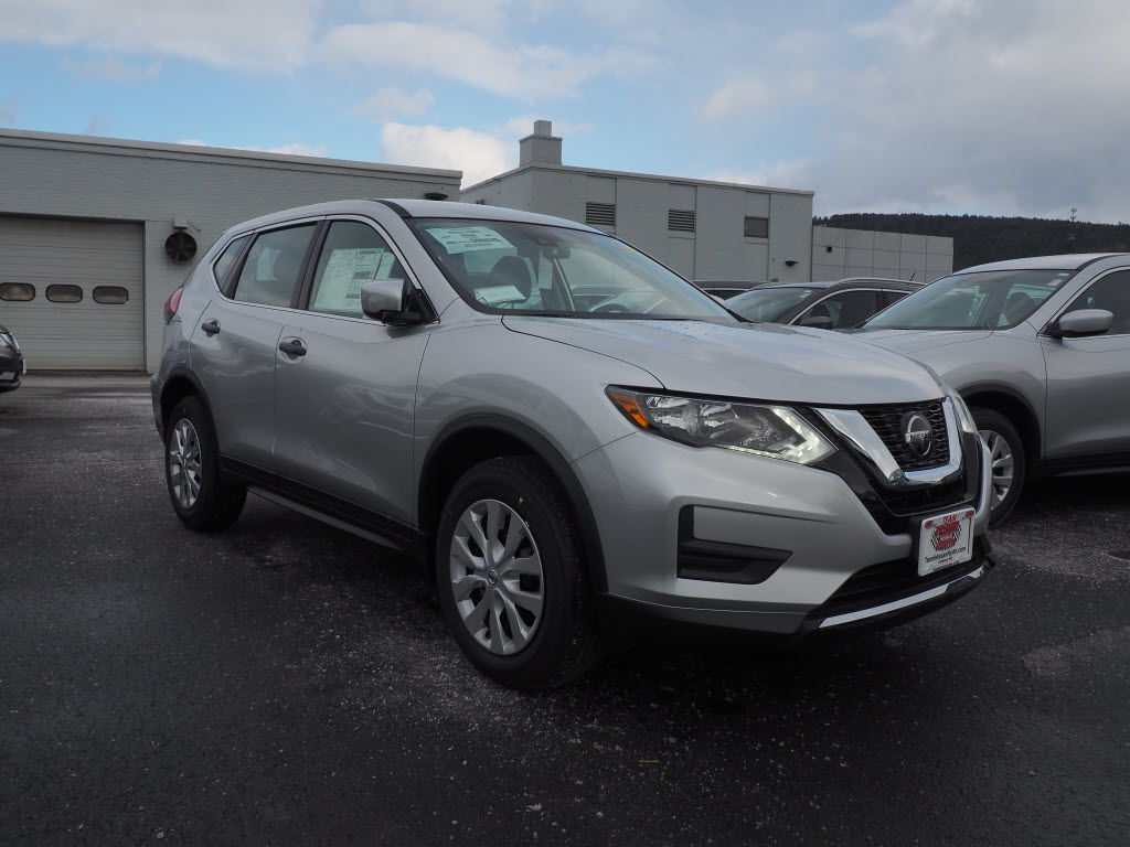 New 2019 Nissan Rogue S SUV in Lebanon NH