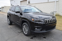 New 2019 Jeep Cherokee LATITUDE PLUS 4X4 Sport Utility in Archbold, OH