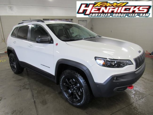New 2019 Jeep Cherokee TRAILHAWK ELITE 4X4 Sport Utility for sale in Archbold OH.