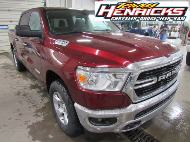 New 2019 Ram 1500 BIG HORN / LONE STAR CREW CAB 4X4 5'7 BOX Crew Cab for sale in Archbold OH.