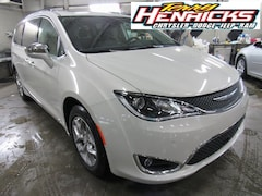 New 2019 Chrysler Pacifica LIMITED Passenger Van in Archbold, OH