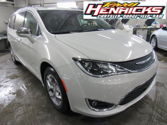 New 2019 Chrysler Pacifica LIMITED Passenger Van for sale in Archbold OH.