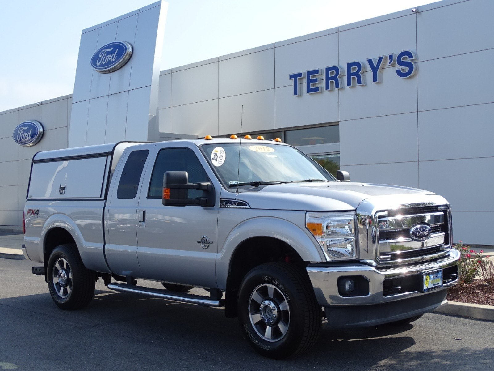 2012 Ford Super Duty F-250 SRW Lariat 4WD SuperCab 158 Lariat