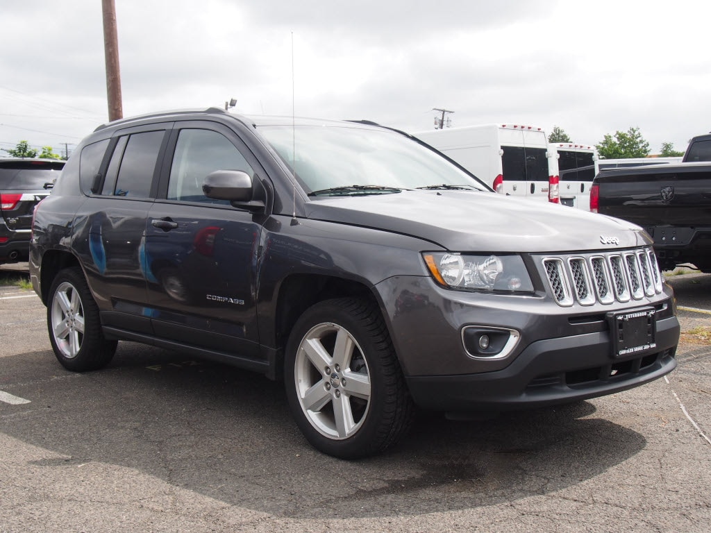 2014 Jeep Compass Latitude FWD SUV