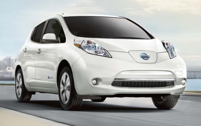 2017 nissan leaf wins kelley blue book award