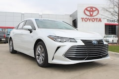 New 2019 Toyota Avalon Hybrid XLE Sedan