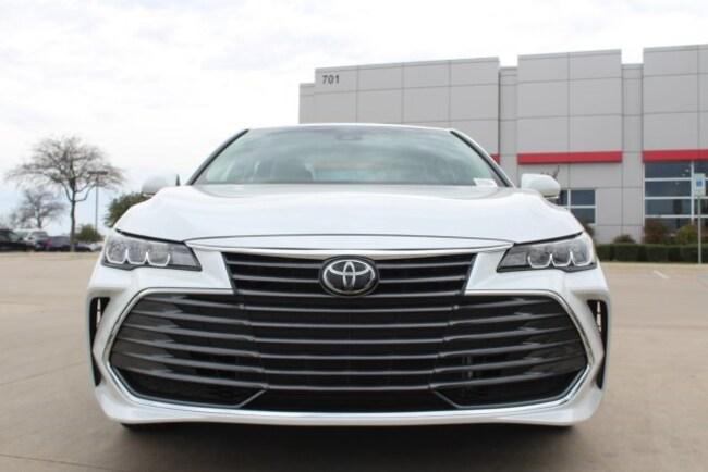 2019 Toyota Avalon XLE Sedan