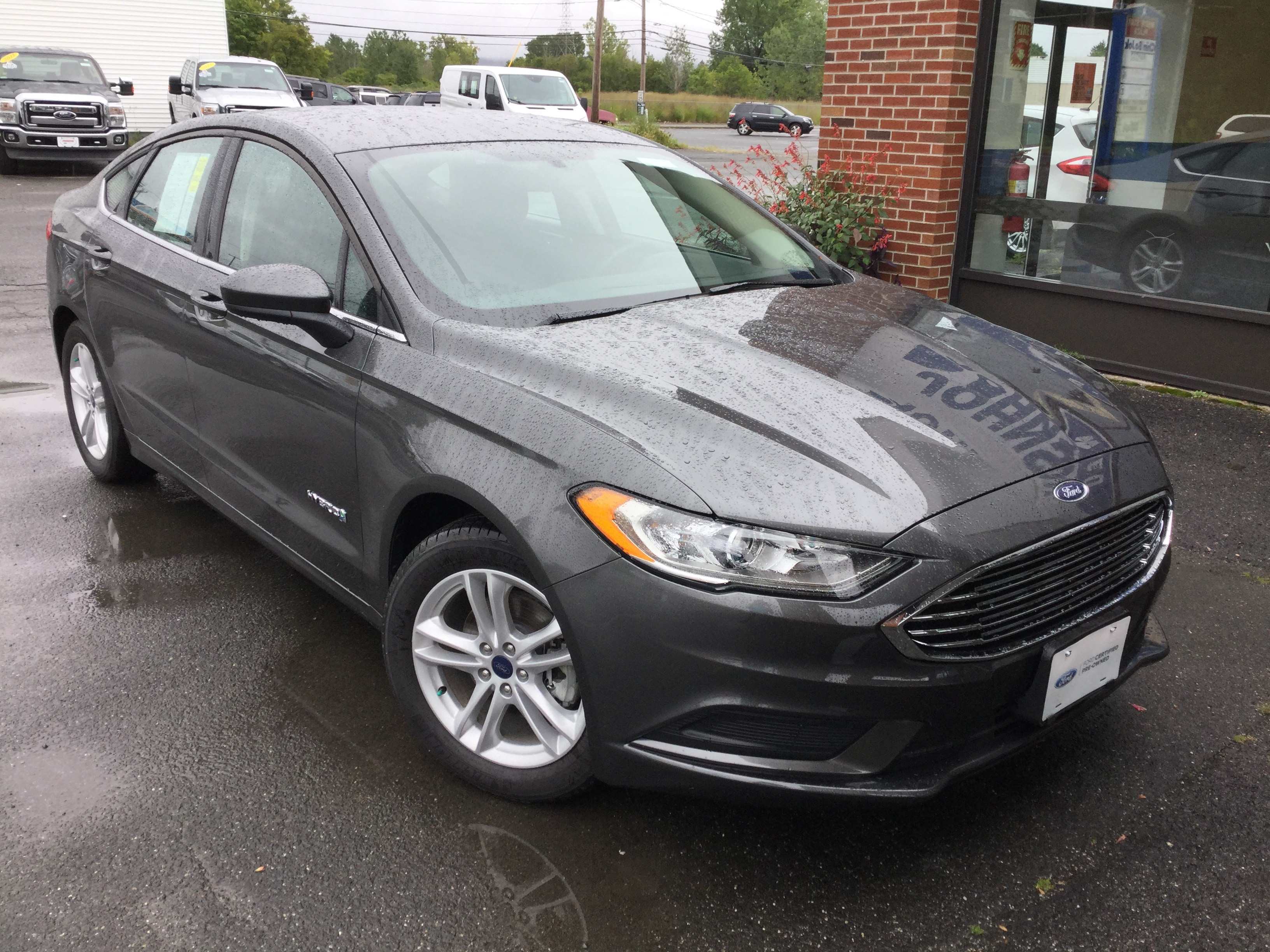 2018 Ford Fusion Hybrid SE Certified Sedan