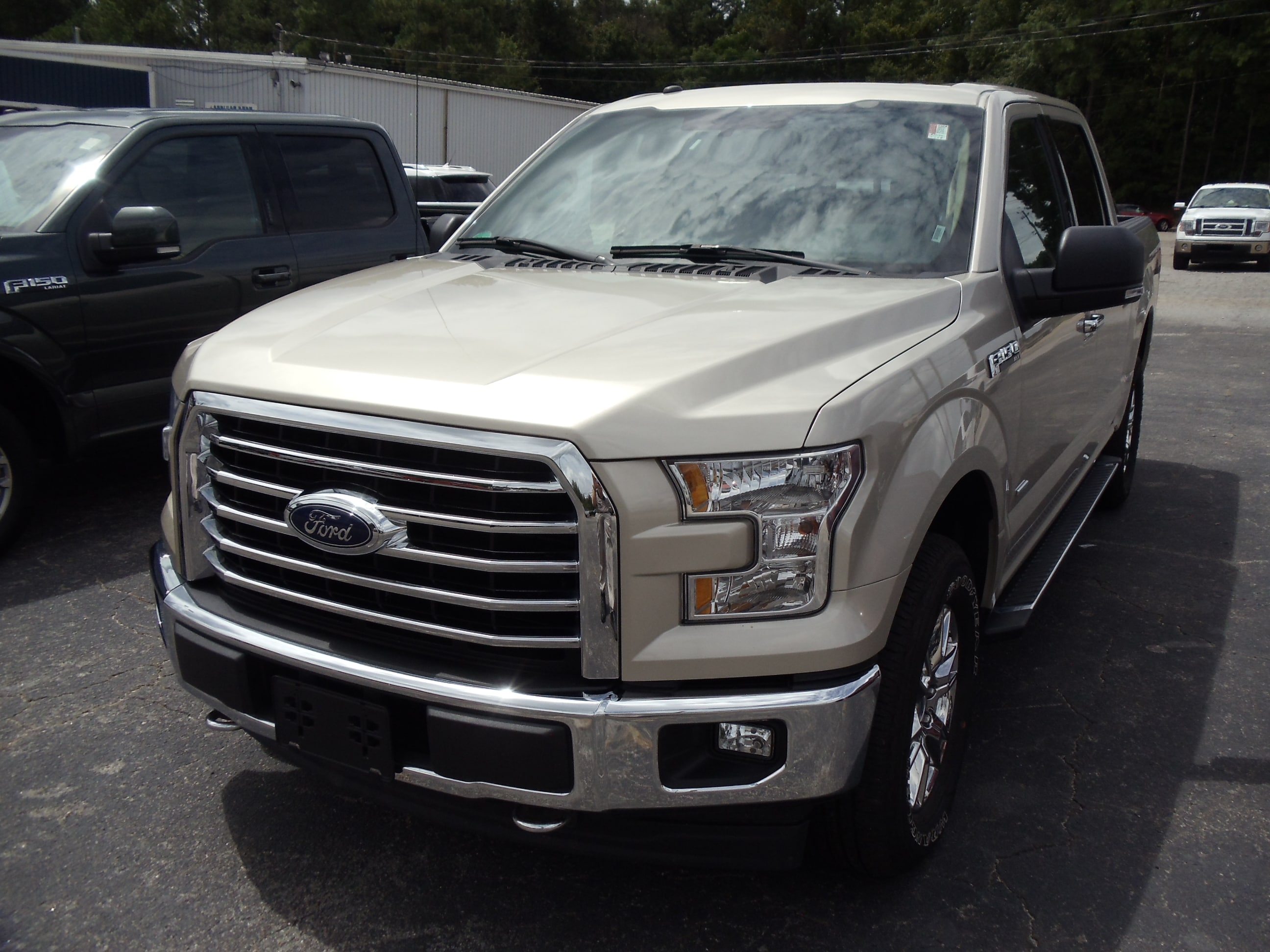 2017 Ford F150 Truck SuperCrew Cab