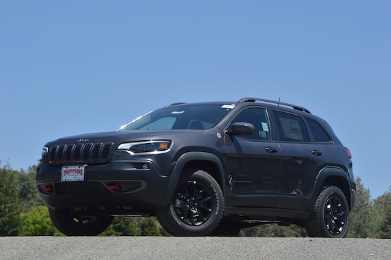 2019 Jeep Cherokee Trailhawk Road Test and Review
