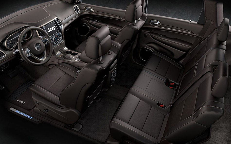 2016 Jeep Grand Cherokee Luxury Interior