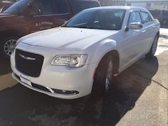 2015 Chrysler 300C Base Sedan