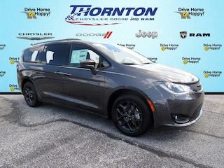 New 2018 Chrysler Pacifica TOURING L Passenger Van For Sale Red Lion PA