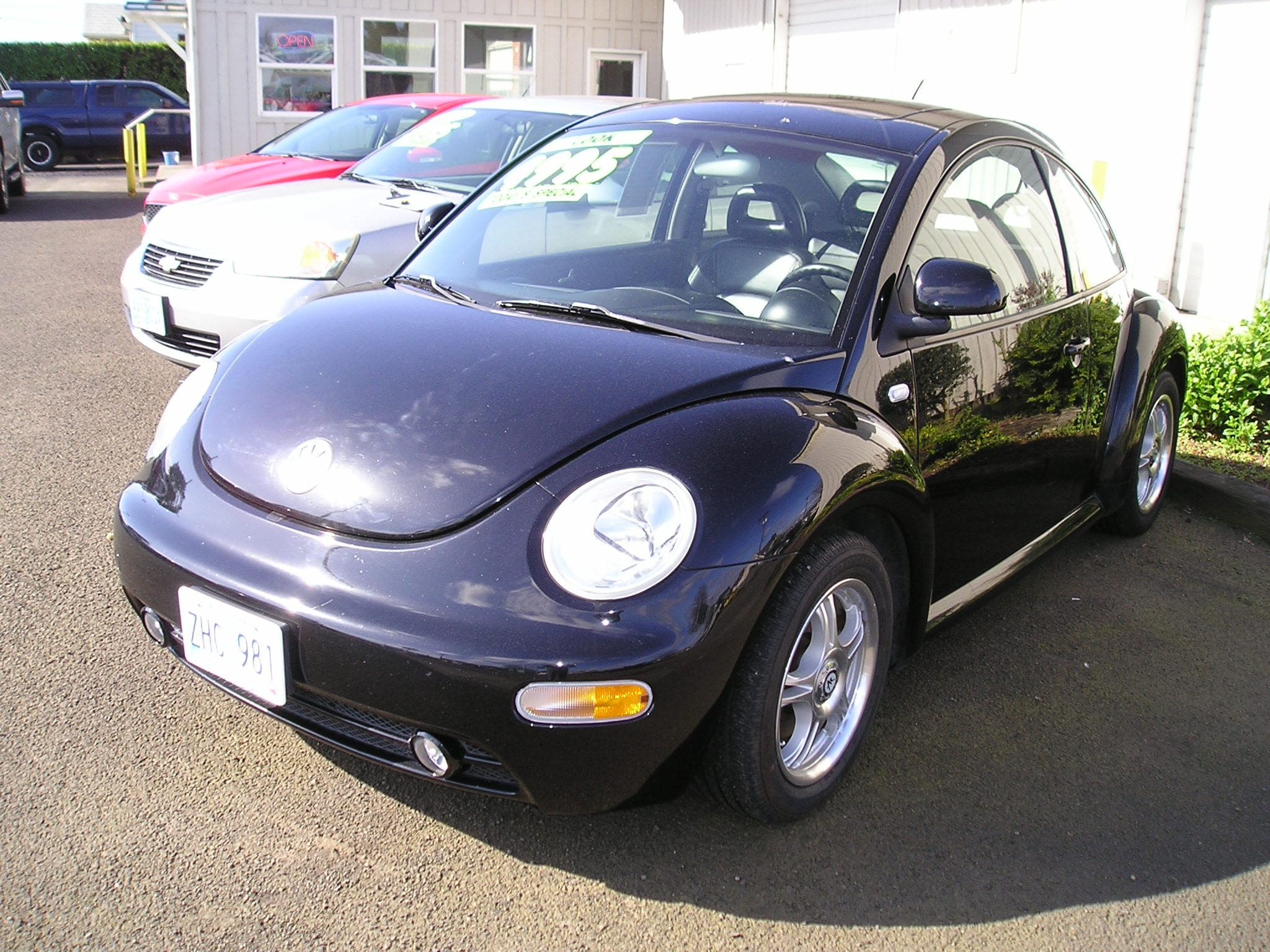 2000 Volkswagen New Beetle GLS Hatchback