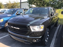 New 2019 Ram 1500 BIG HORN / LONE STAR CREW CAB 4X4 5'7 BOX Crew Cab Hazard, KY