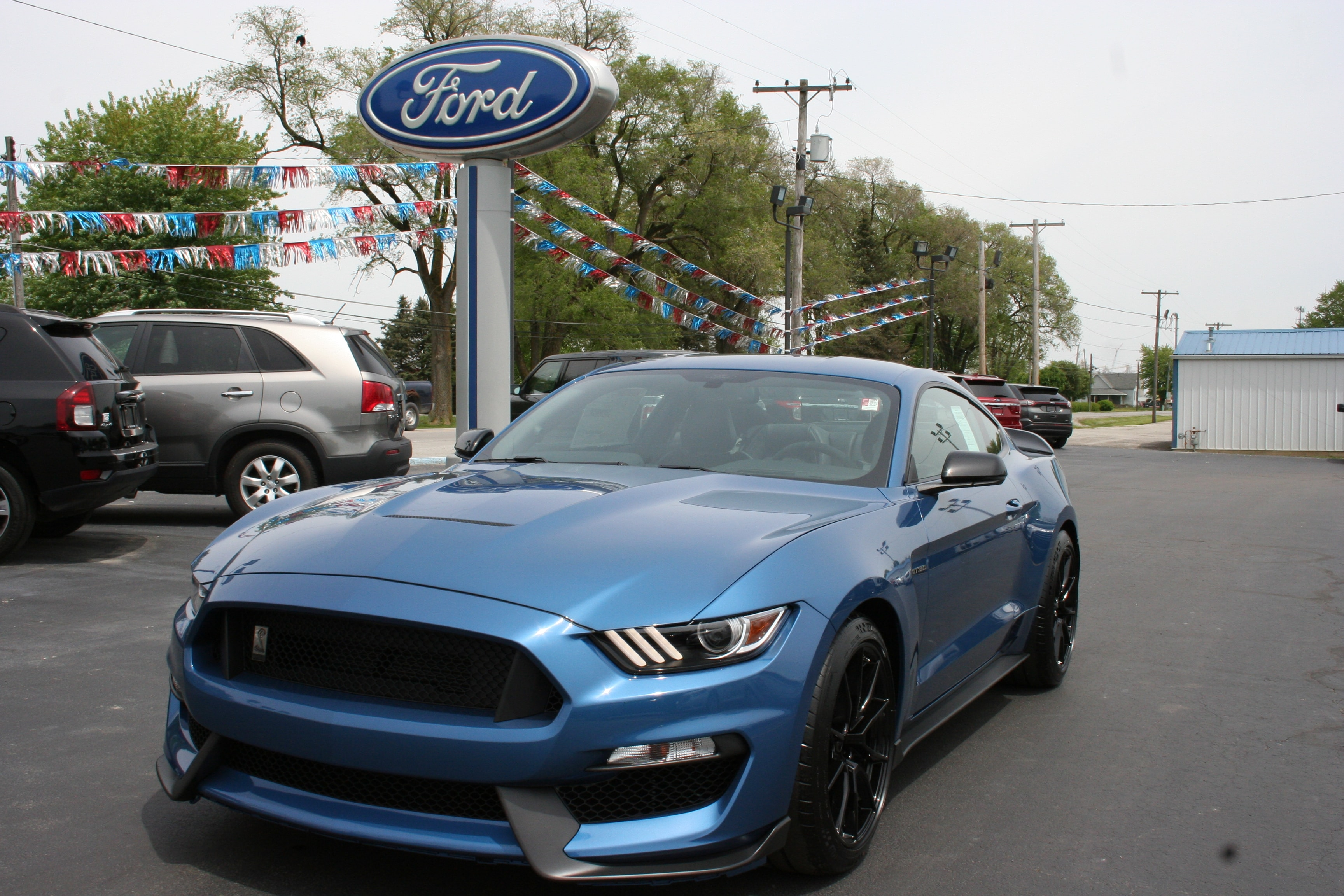 2019 Ford Mustang Shelby GT350 w/leather & navigation Coupe