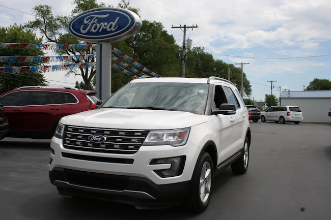 2016 Ford Explorer XLT 4WD w/leather, sunroof & navigation SUV