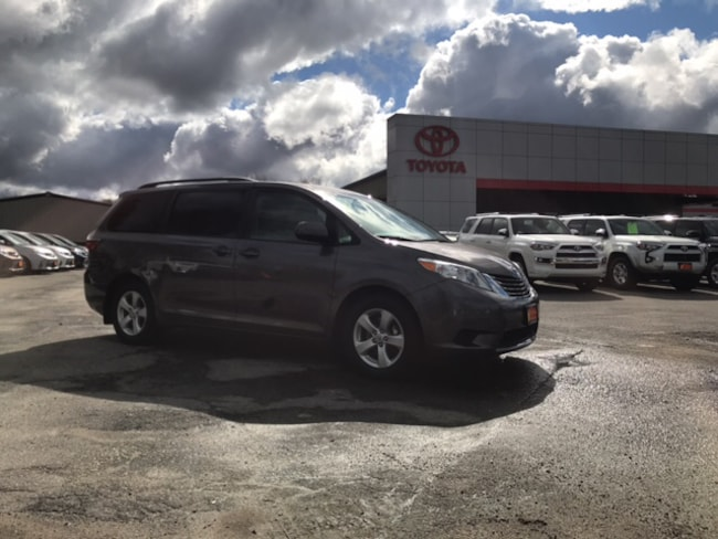 2015 Toyota Sienna LE Van