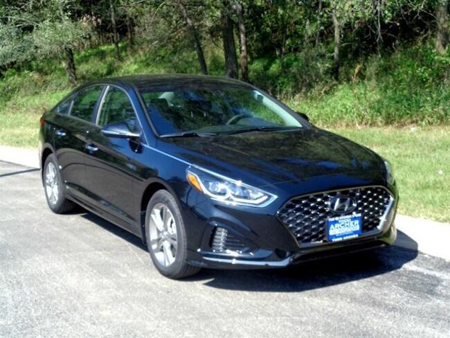 New 2019 Hyundai Sonata SEL SEL 2.4L S85613 near Omaha