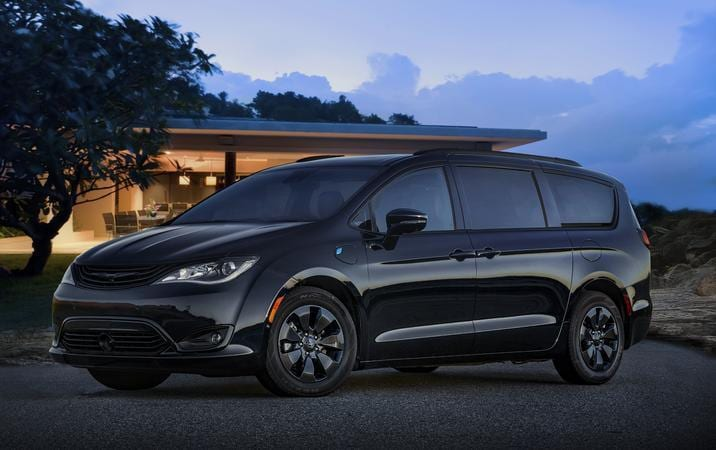 2019 Chrysler Pacifica Hybrid S Appearacne Package front