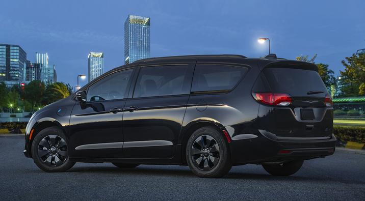 2019 Chrysler Pacifica Hybrid S Appearance Package rear