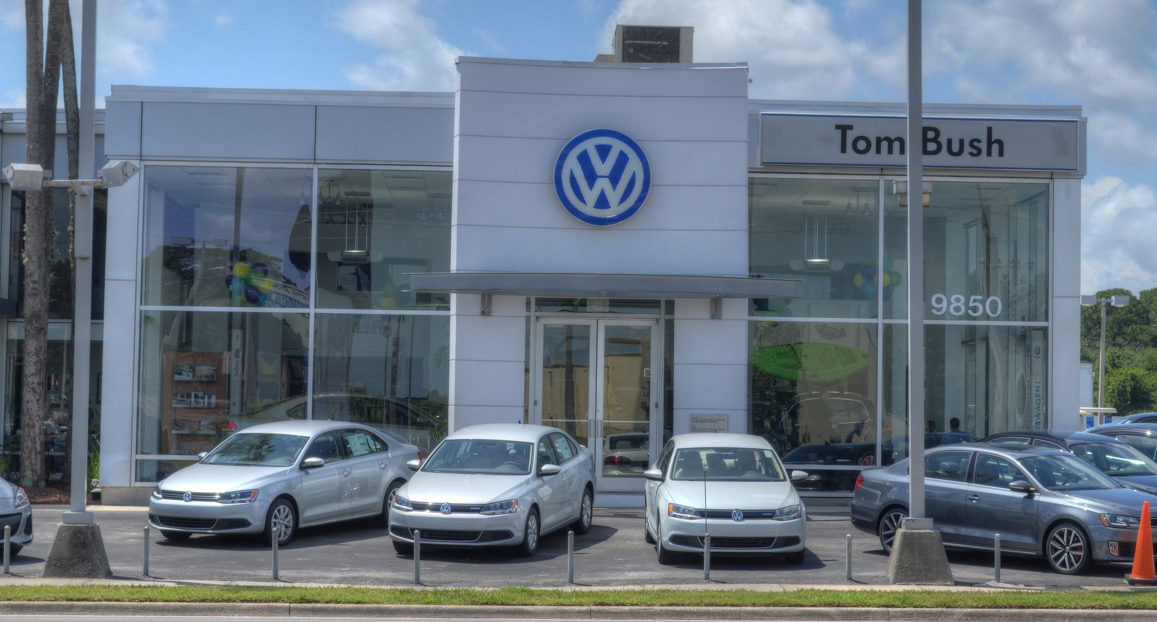 About tom bush volkswagen a volkswagen dealership in for Tom bush regency motors