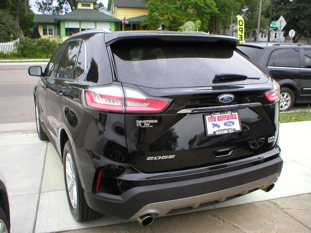 Used 2019 Ford Edge SEL with VIN 2FMPK4J98KBC05933 for sale in Lake City, Minnesota