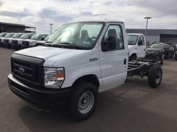2018 Ford E-350 Cutaway Truck