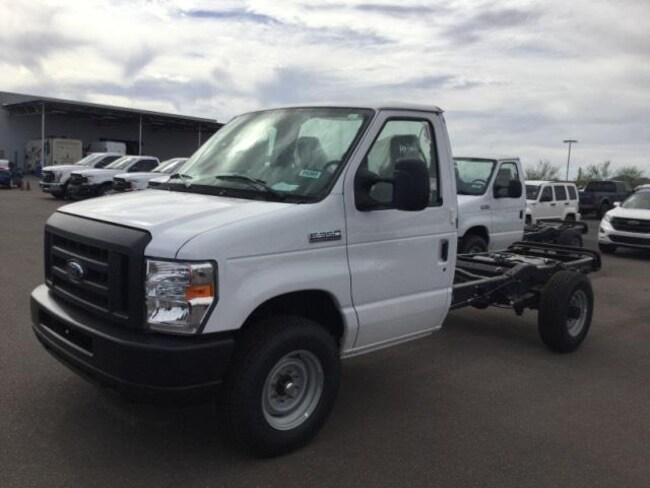 New 2018 Ford E-350 Cutaway Base Commercial-truck Buckeye, AZ