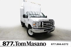 2018 Ford E-350SD XL 12' Supreme Dry Freight 1FDWE3F6XJDC07476