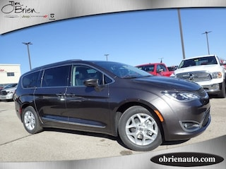New 2018 Chrysler Pacifica TOURING L PLUS Passenger Van for sale near Indianapolis
