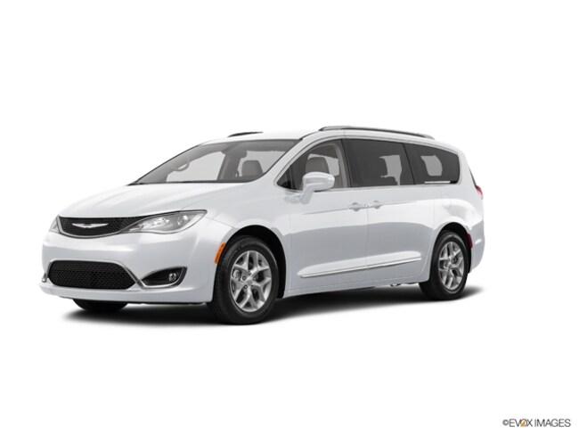 2018 Chrysler Pacifica L Passenger Van