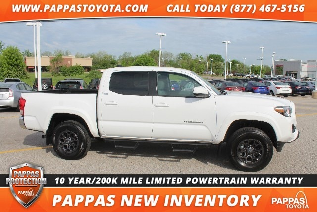 2017 Toyota Tacoma 4WD SR5 Double Cab Truck
