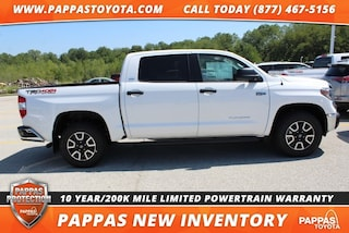 New 2018 Toyota Tundra SR5 5.7L V8 w/FFV Truck CrewMax for Sale in St. Peters, MO